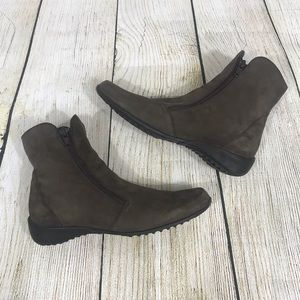 Munro | American Drifter Brown Suede Ankle Boot